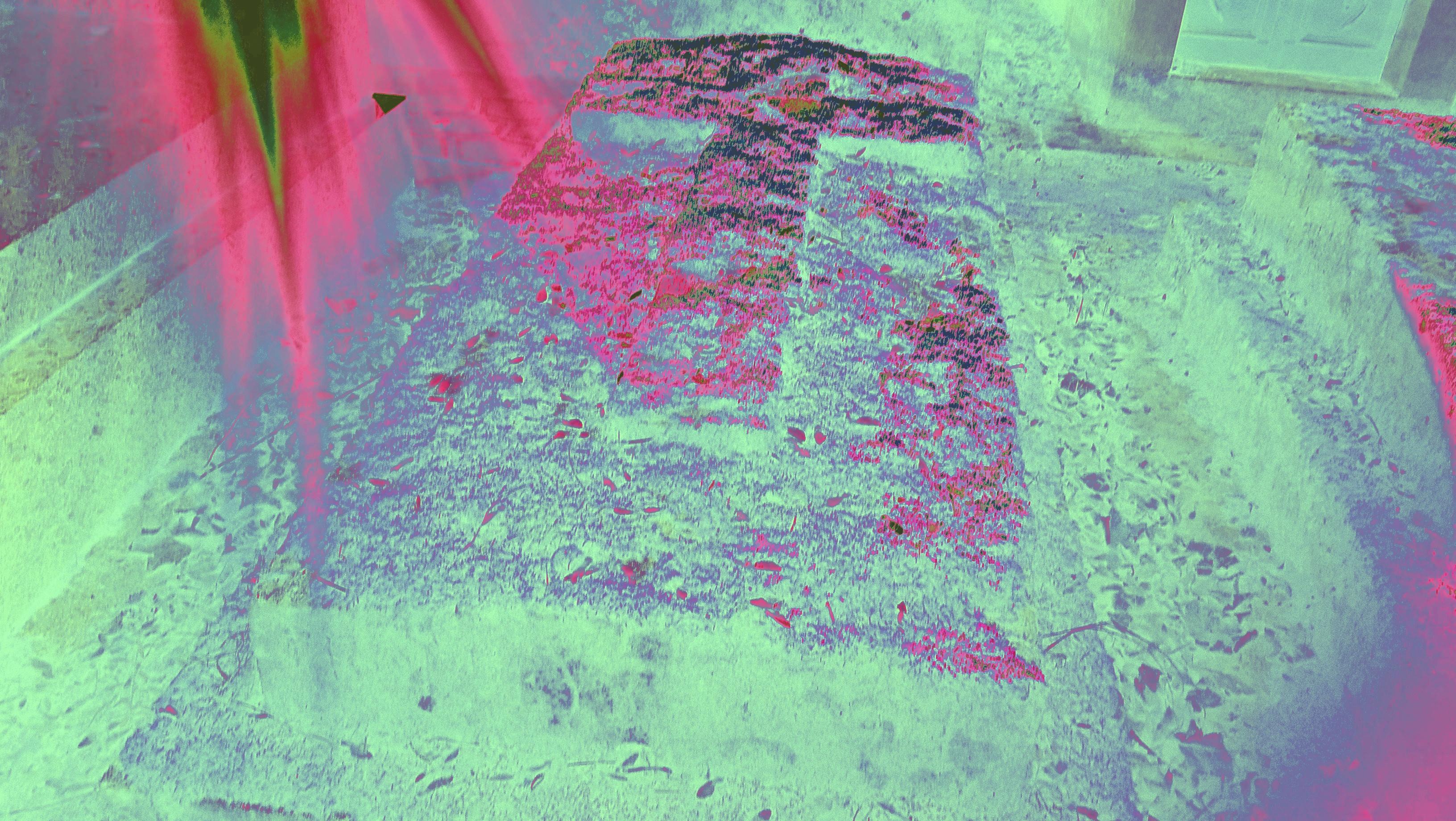 Une tombe dans un cimetière pour illustrer le roman de vampire Deviance