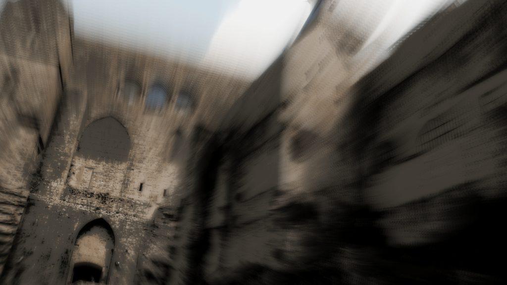 Les ruines du château des Mackrey, dans Déviance - Roman de vampire