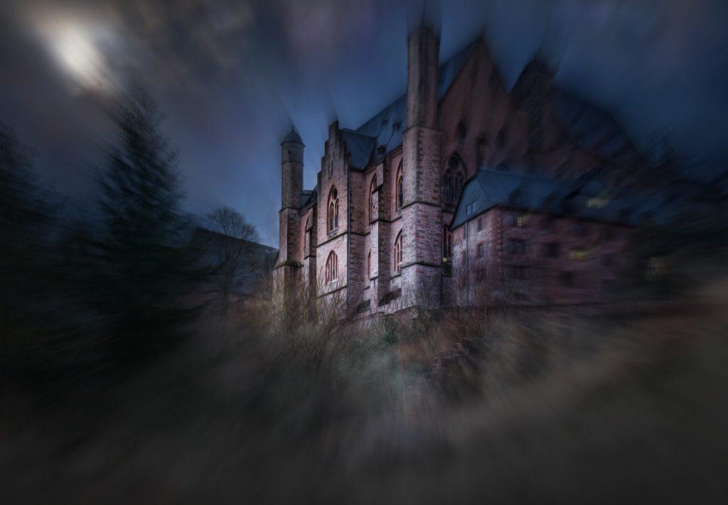 Château pour illustrer le roman de vampire Déviance