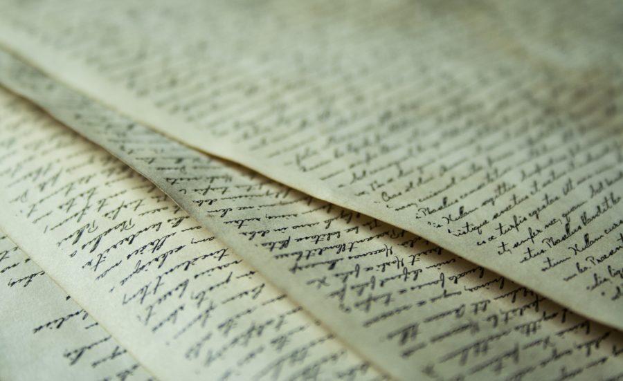 Tome 2 de Déviance - Manuscrit - Pixabay