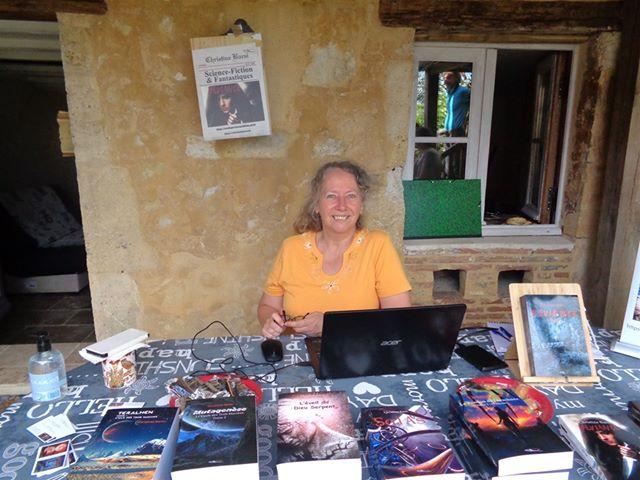 L'auteure Christine Barsi en dédicace sur Bellême