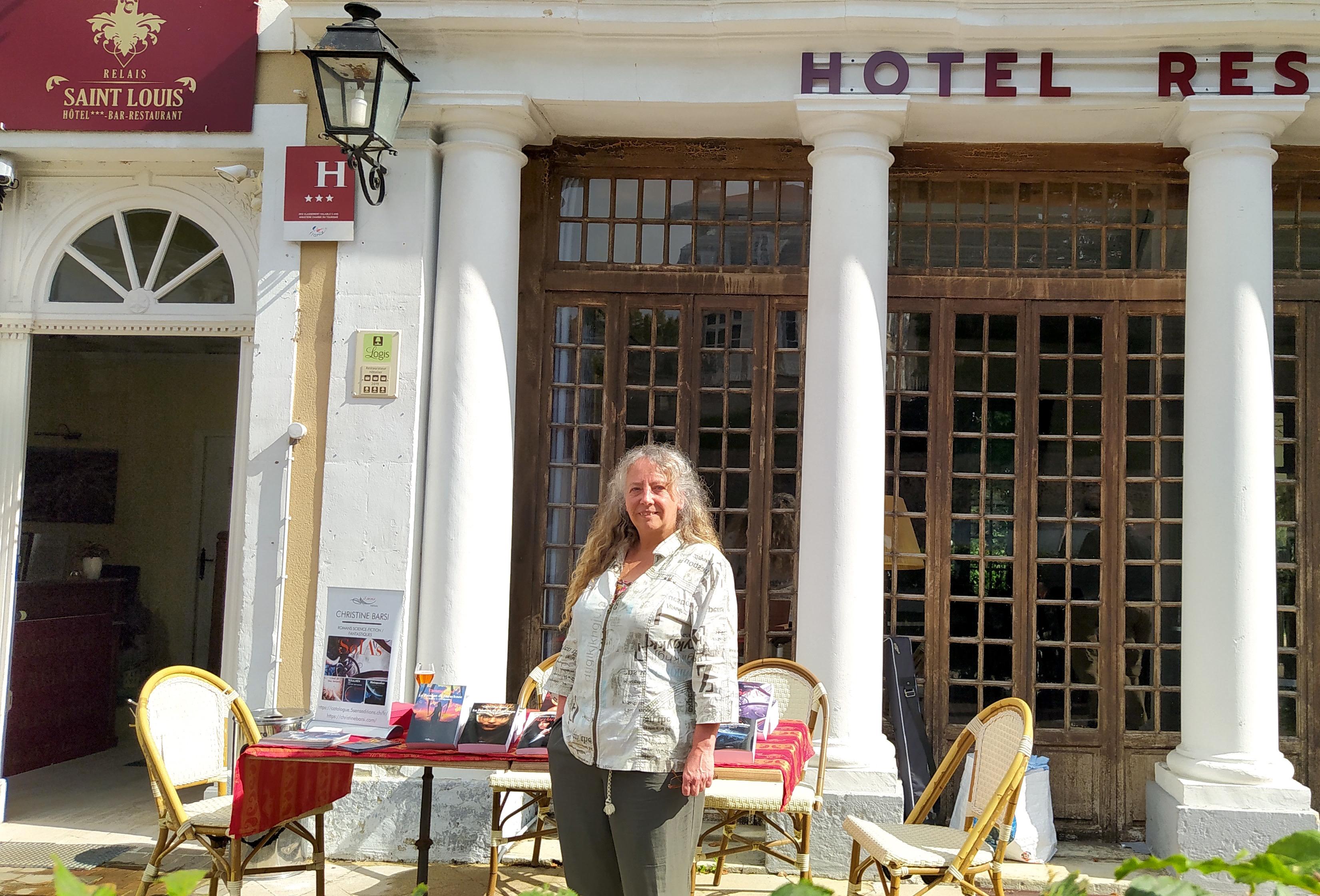 L'auteure Christine Barsi en dédicace au Relais Saint Louis